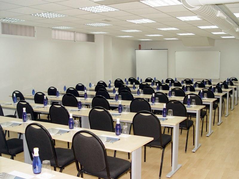 17-alquiler-aulas-madrid_800x600